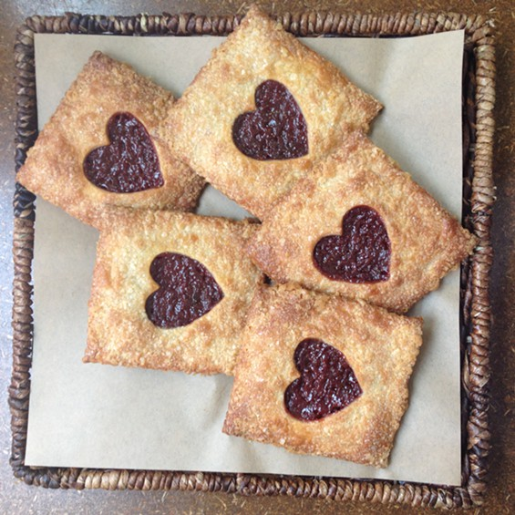 Cooks County, Strawberry Heart Tarts